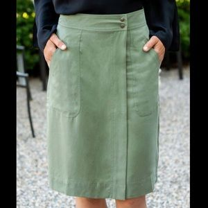 Green Side-Pocket Mock-Wrap Skirt